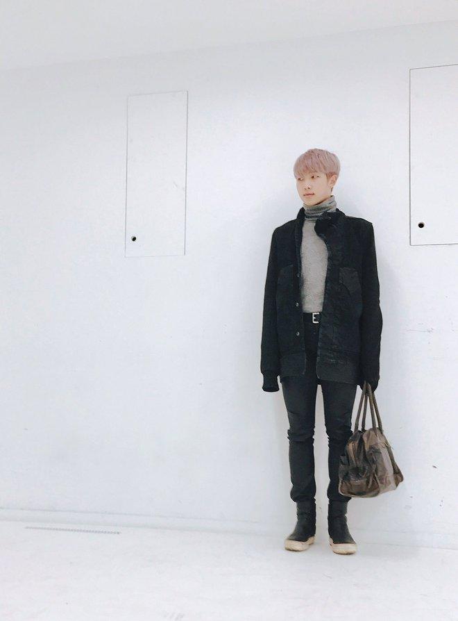 Vì sao Vogue khen BTS là nhóm nhạc nam mặc đẹp nhất hiện nay? - Ảnh 14.