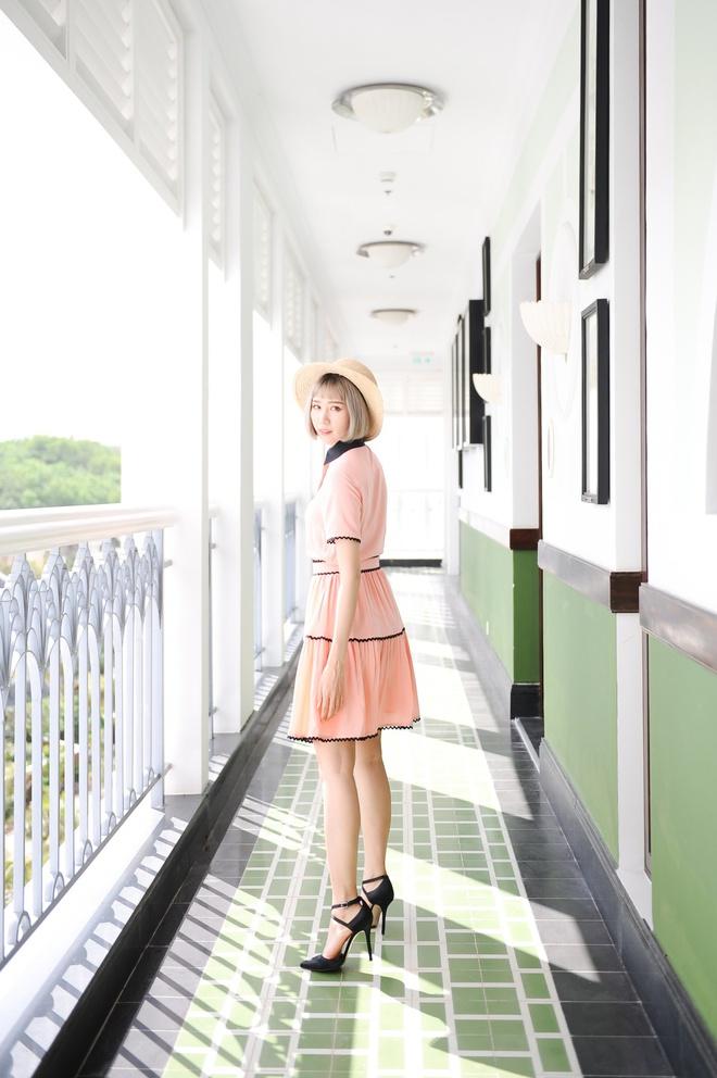 Min: Từ cô nàng xì tin như bao người giờ bỗng đi đầu cho phong cách thời trang tuyệt xinh trong MV - Ảnh 15.