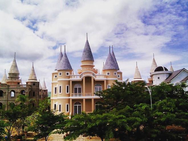 Ở Hậu Giang có một ngôi trường giống hệt học viện Phù thủy Hogwarts trong Harry Potter! - Ảnh 10.