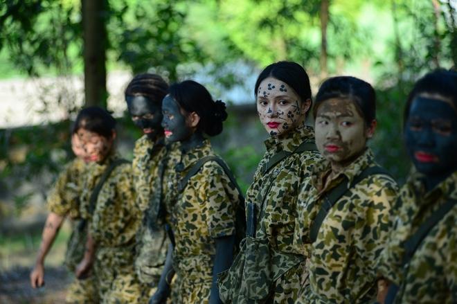 Hương Giang Idol: Tôi choáng ngợp và bị sốc với kỷ luật quân đội trong Sao nhập ngũ - Ảnh 4.