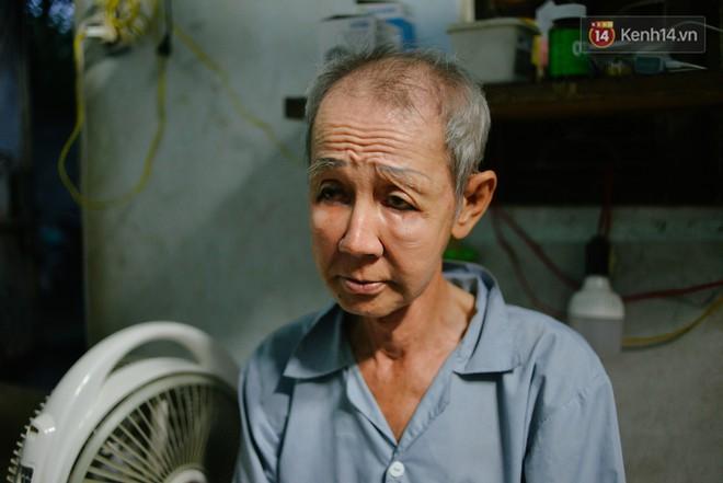 """Chuyện đời của """"cô đào"""" chuyển giới lớn tuổi nhất Việt Nam: Nửa đời hương phấn và sự đùm bọc của người bạn già tri kỷ - Ảnh 2."""