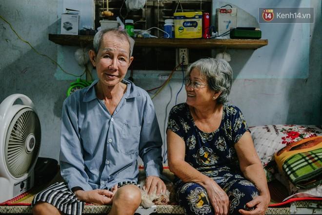 """Chuyện đời của """"cô đào"""" chuyển giới lớn tuổi nhất Việt Nam: Nửa đời hương phấn và sự đùm bọc của người bạn già tri kỷ - Ảnh 6."""
