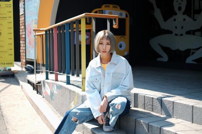 Min: Từ cô nàng xì tin như bao người giờ bỗng đi đầu cho phong cách thời trang tuyệt xinh trong MV - Ảnh 24.