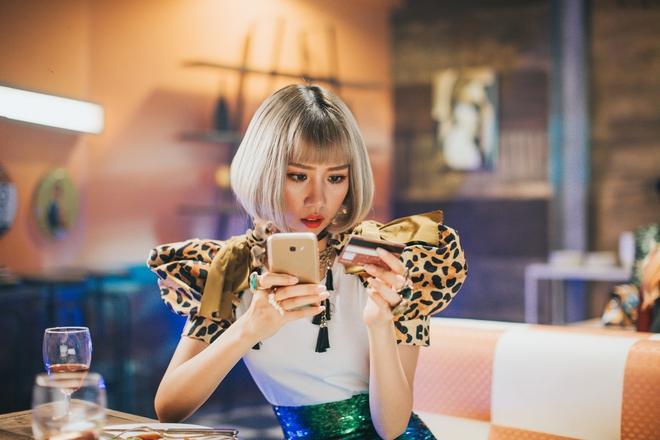 Min: Từ cô nàng xì tin như bao người giờ bỗng đi đầu cho phong cách thời trang tuyệt xinh trong MV - Ảnh 13.