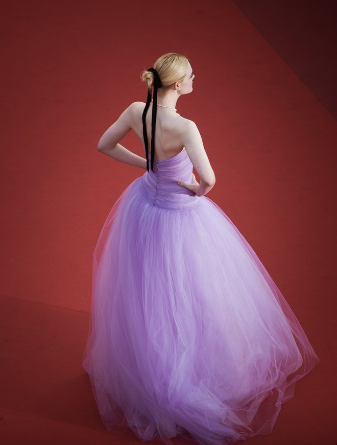 Phạm Băng Băng đã chịu lấy lại phong độ, đẹp không thua kém Elle Fanning trên thảm đỏ Cannes - Ảnh 6.
