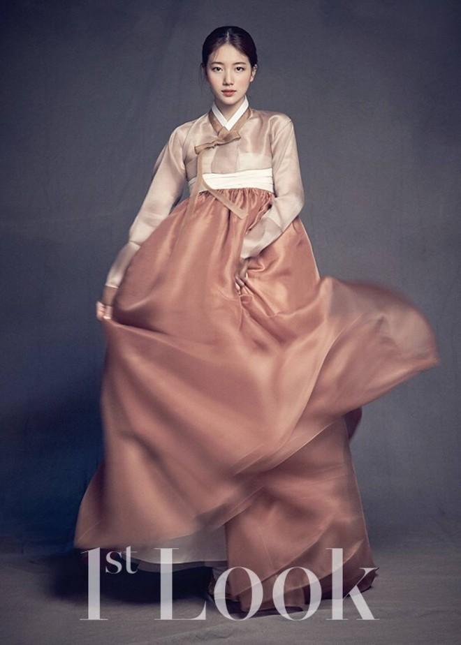 Hanbok bị xào nấu thành váy ngắn, netizen Hàn lại được dịp tranh cãi nảy lửa - Ảnh 1.