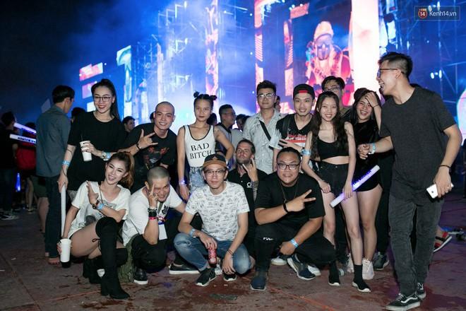 Đi rave show Armin và đây là những cô nàng nóng bỏng nhất! - ảnh 17