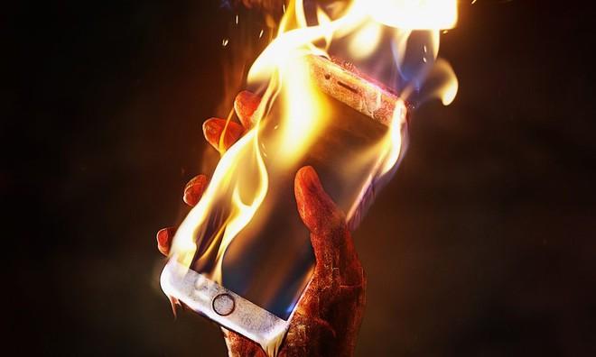 Dùng iPhone mà cứ nhanh hỏng, đó là bạn đã mắc phải 7 sai lầm này - Ảnh 2.
