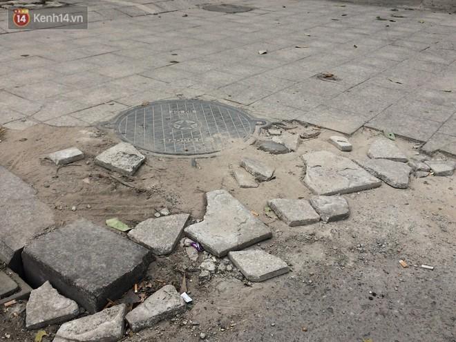 Sau một thời gian ngắn đi vào sử dụng, đá lát vỉa hè Hà Nội được quảng cáo bền tới 70 năm đã hư hỏng hàng loạt - Ảnh 3.