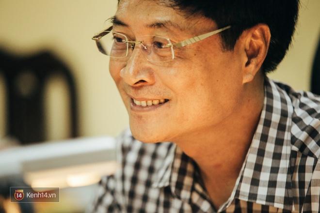 Chỉ còn 1 năm cuối ở Việt Đức nữa thôi, thầy Bình sẽ luôn được học sinh nhớ đến là thầy hiệu trưởng vui vẻ nhất Hà Nội! - Ảnh 4.