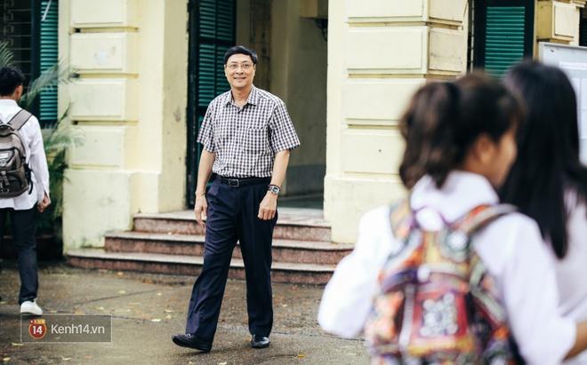 Chỉ còn 1 năm cuối ở Việt Đức nữa thôi, thầy Bình sẽ luôn được học sinh nhớ đến là thầy hiệu trưởng vui vẻ nhất Hà Nội! - Ảnh 12.