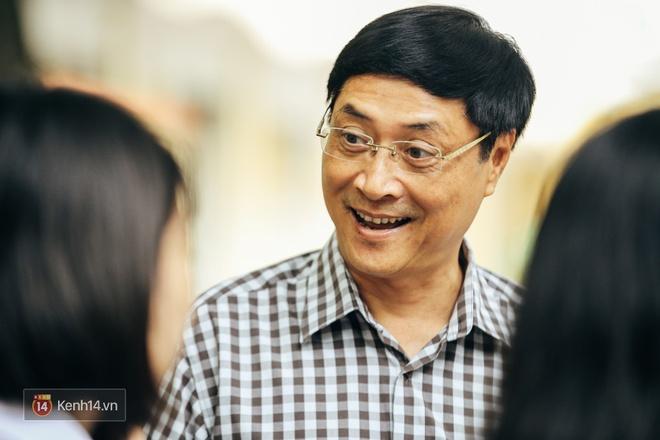 Chỉ còn 1 năm cuối ở Việt Đức nữa thôi, thầy Bình sẽ luôn được học sinh nhớ đến là thầy hiệu trưởng vui vẻ nhất Hà Nội! - Ảnh 8.