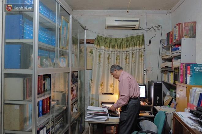 PGS.TS Bùi Hiền nói về phần 2 cải tiến tiếng Việt: Kuộk sốw gồm kí tự k (cờ) và w (ngờ), ghép lại vẫn đọc là cuộc sống thôi! - Ảnh 4.