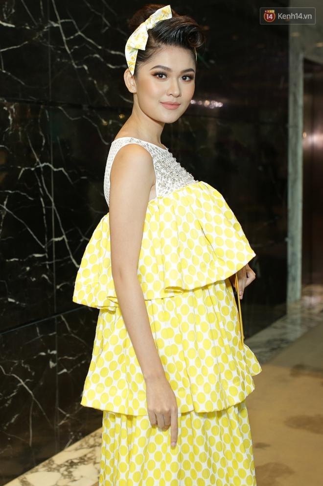 Bộ đôi Hoa hậu Kỳ Duyên - Mỹ Linh đọ sắc với tông vàng rực rỡ tại show thời trang - Ảnh 10.