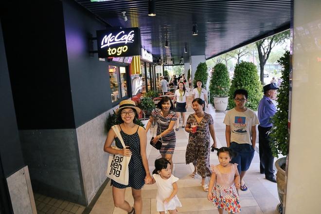 Sau 20 năm bỏ hoang với những lời đồn đoán rùng rợn, Thuận Kiều Plaza đã hồi sinh và sầm uất đến nhường này - Ảnh 9.