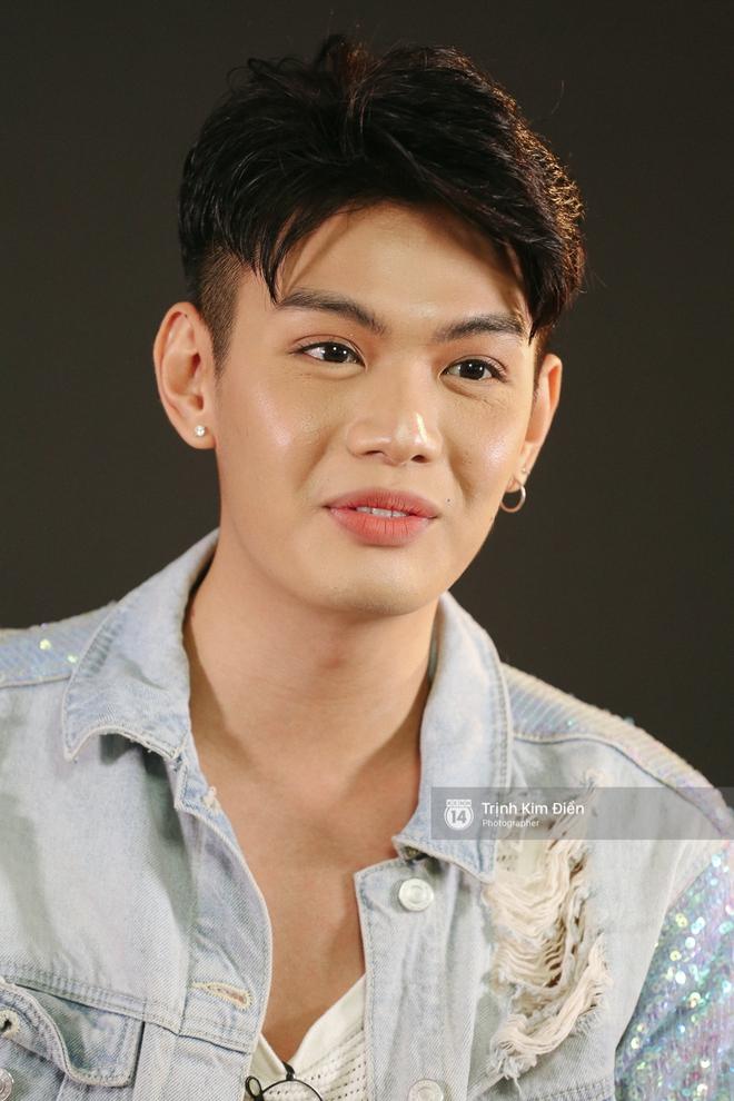 Đào Bá Lộc khẳng định không dùng chuyện tình cảm để PR, vẫn thường xuyên đụng mặt nam MC và bà xã - Ảnh 4.