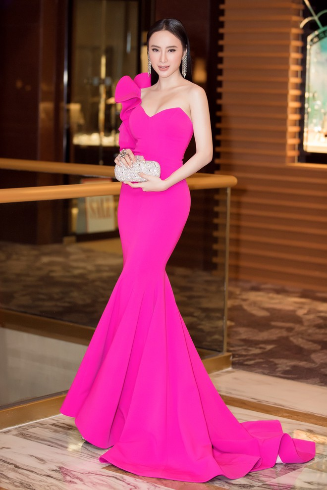 Angela Phương Trinh gợi cảm hội ngộ diễn viên TVB đình đám Âu Dương Chấn Hoa trên thảm đỏ tại Singapore - Ảnh 5.