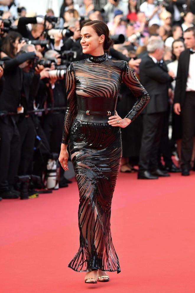 Phạm Băng Băng đã chịu lấy lại phong độ, đẹp không thua kém Elle Fanning trên thảm đỏ Cannes - Ảnh 20.