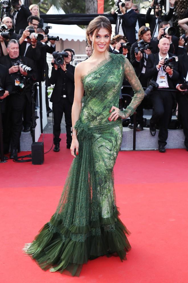 Phạm Băng Băng đã chịu lấy lại phong độ, đẹp không thua kém Elle Fanning trên thảm đỏ Cannes - Ảnh 15.