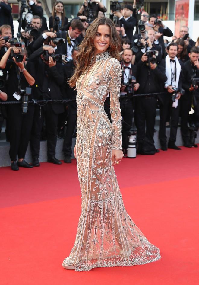 Phạm Băng Băng đã chịu lấy lại phong độ, đẹp không thua kém Elle Fanning trên thảm đỏ Cannes - Ảnh 24.