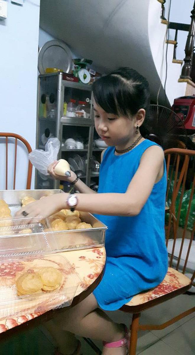 """Cô bé Bống bán """"chè bưởi"""" Tuyên Quang: Tự lập tài chính từ lớp 2, 10 tuổi đã sắm iPhone, laptop! - Ảnh 6."""