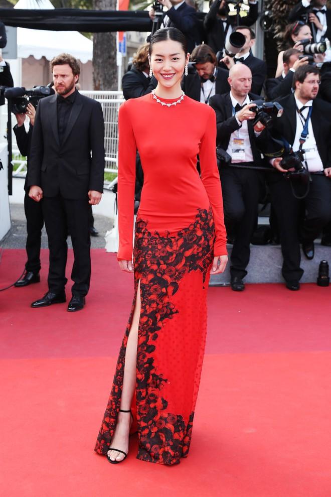 Phạm Băng Băng đã chịu lấy lại phong độ, đẹp không thua kém Elle Fanning trên thảm đỏ Cannes - Ảnh 14.