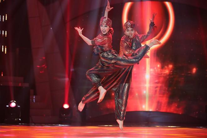 Bước nhảy ngàn cân: Mai Ngô được khen tới tấp khi trở lại sàn nhảy - Ảnh 7.