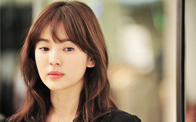 Cùng đóng vai người mù, Song Hye Kyo bị netizen Hàn chê thua xa Han Ji Min - Ảnh 2.