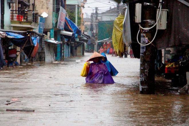 Nhìn lại những hiện tượng thời tiết, thiên tai khiến người dân Việt Nam điêu đứng năm 2017 - Ảnh 20.