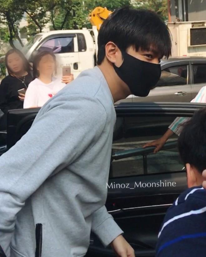 Bạn trai quốc dân Lee Min Ho: đi nhập ngũ mà vẫn mặc đẹp muốn xỉu - Ảnh 9.