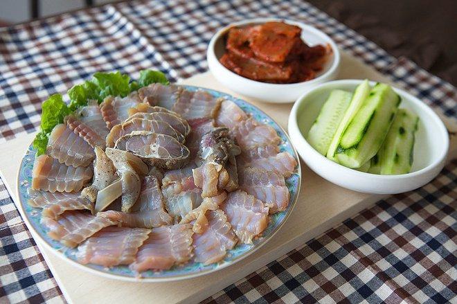 Các món ăn khiến người ta chết khiếp nhưng vẫn nổi ầm ầm trong phim Hàn - Ảnh 7.
