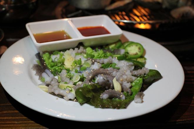"""Các món ăn khiến người ta """"chết khiếp"""" nhưng vẫn nổi ầm ầm trong phim Hàn - Ảnh 10."""