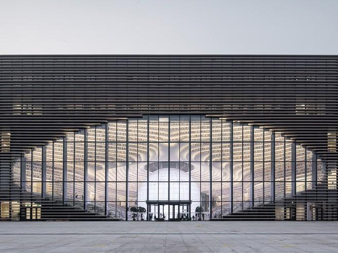 Ngắm thư viện đẹp nhất thế giới vừa được mở cửa tại Trung Quốc - Ảnh 1.