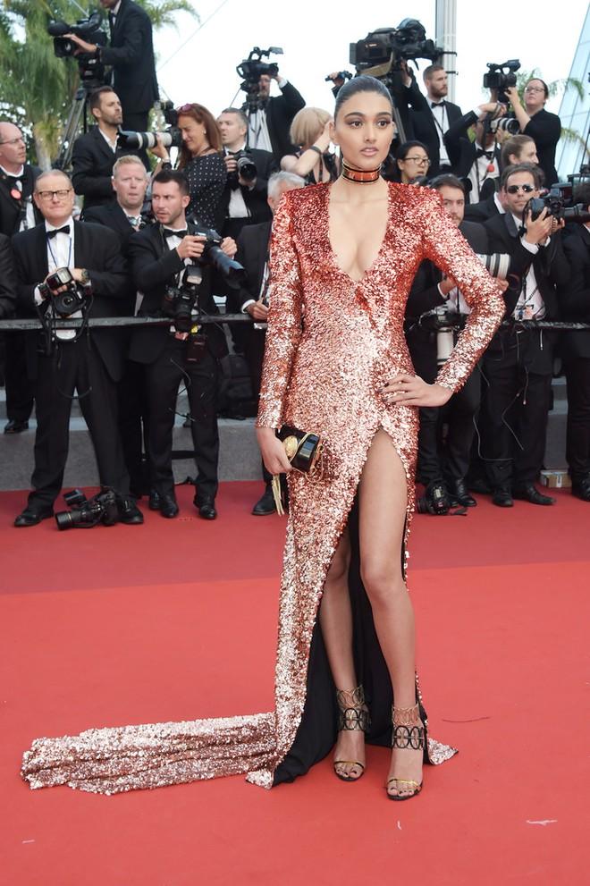 Phạm Băng Băng đã chịu lấy lại phong độ, đẹp không thua kém Elle Fanning trên thảm đỏ Cannes - Ảnh 17.