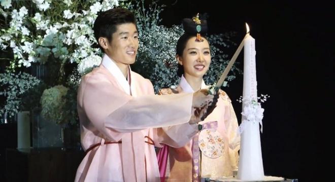 Park Ji-sung sắp đón em bé thứ hai - Ảnh 1.