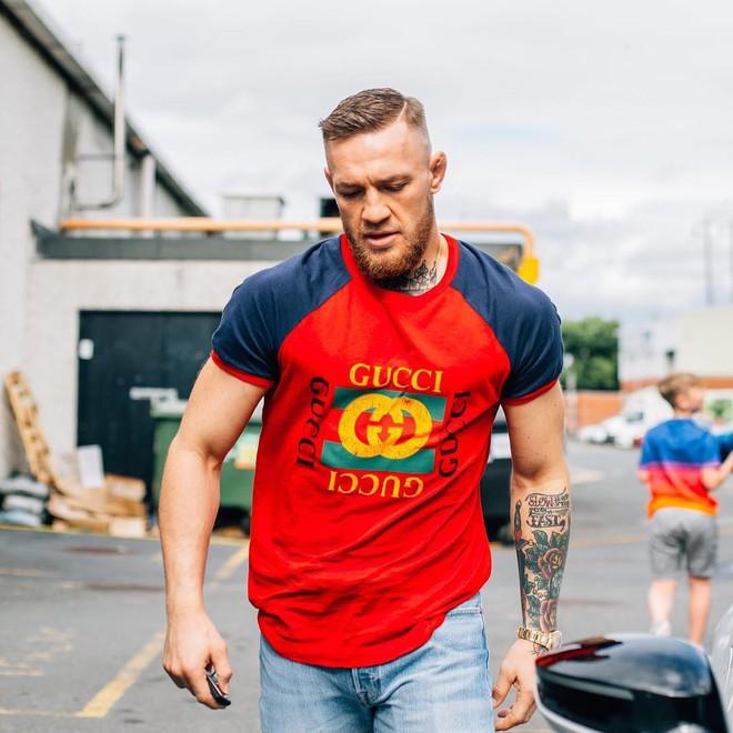 Không chỉ là võ sĩ triệu đô, Conor McGregor còn là một đầu giày hạng nặng với gu thời trang cực kỳ xuất sắc! - Ảnh 6.
