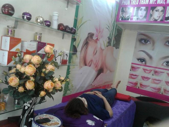 Công an vào cuộc xác minh, làm rõ vụ cô gái ở Hà Nội đi cắt mí mắt gây xôn xao mạng xã hội - Ảnh 2.