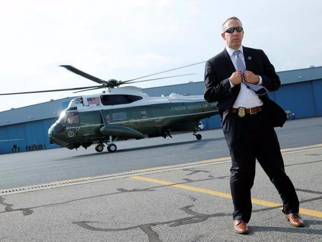 Cận cảnh Đội mật vụ bảo vệ Tổng thống Mỹ Donald Trump - Ảnh 15.