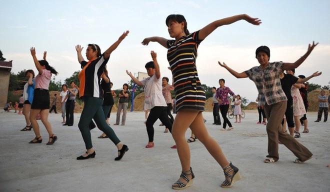 8 thói quen của người Trung Quốc khiến phương Tây ngỡ ngàng, điều thứ 6 cũng phổ biến tại Việt Nam - Ảnh 7.
