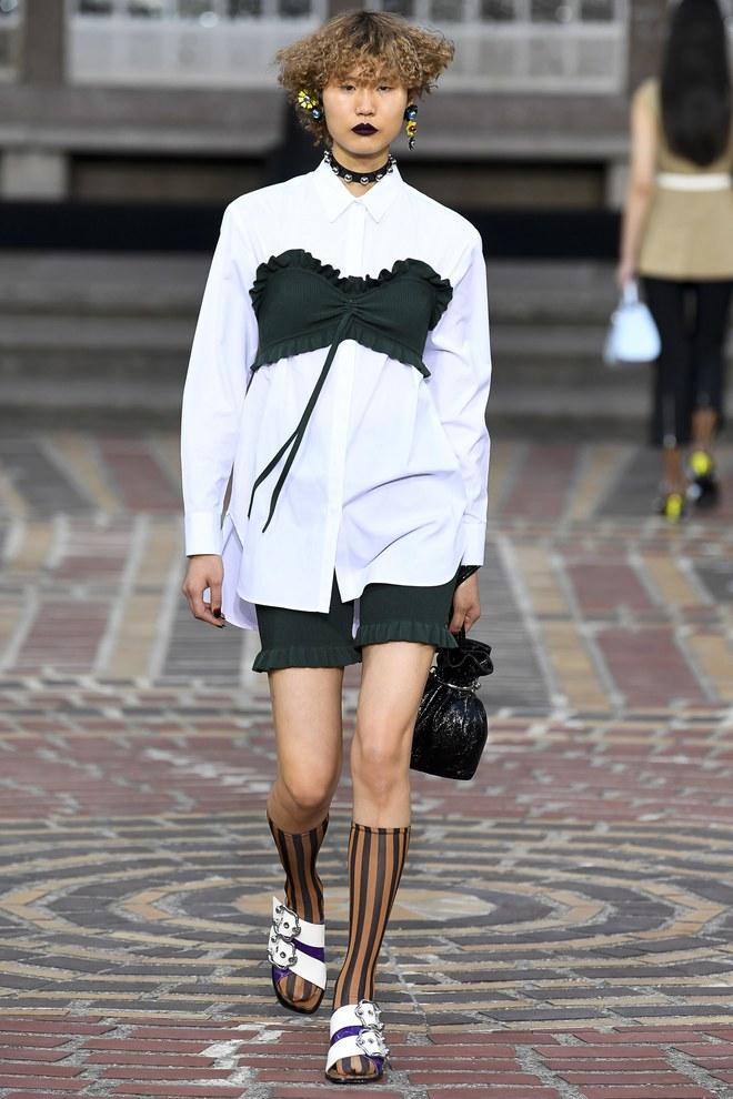 ĐỘC: Có show diễn lưỡng long nhất thể cả thời trang nam và nữ, chỉ sử dụng mẫu châu Á - Ảnh 8.