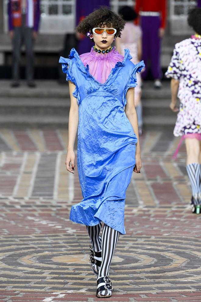 ĐỘC: Có show diễn lưỡng long nhất thể cả thời trang nam và nữ, chỉ sử dụng mẫu châu Á - Ảnh 11.