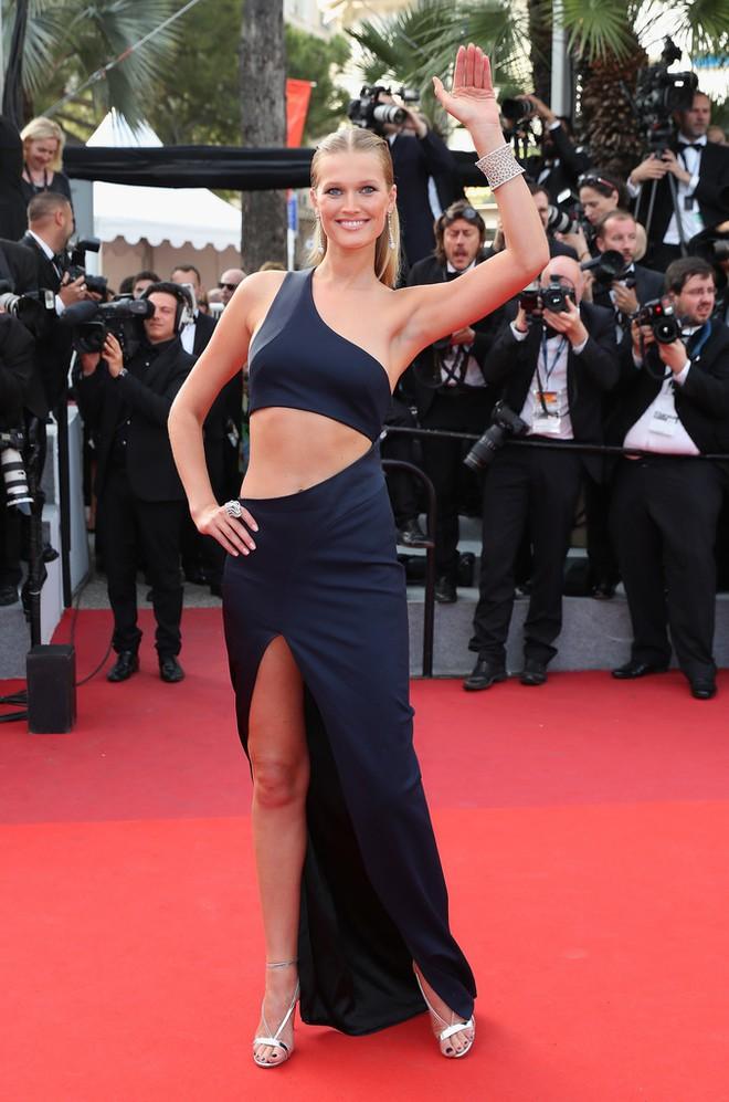 Phạm Băng Băng đã chịu lấy lại phong độ, đẹp không thua kém Elle Fanning trên thảm đỏ Cannes - Ảnh 22.