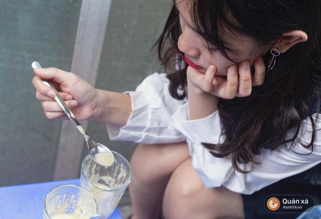 """Tìm lại vị tuổi thơ Hà Nội với món trứng đánh kem """"huyền thoại"""" 30 năm giữa lòng thành phố - Ảnh 7."""