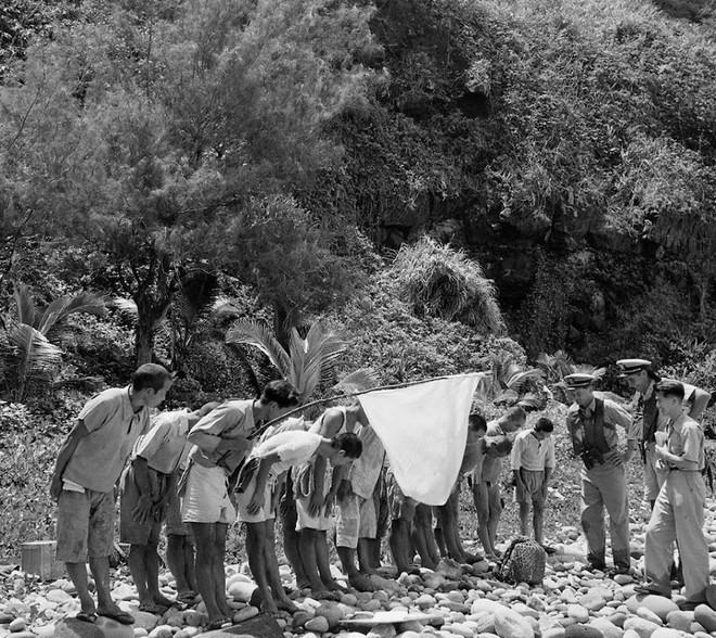 Nữ chúa đảo hoang và 33 người đàn ông: Thảm kịch đẫm máu trên hòn đảo gây rúng động lịch sử Nhật Bản - Ảnh 4.