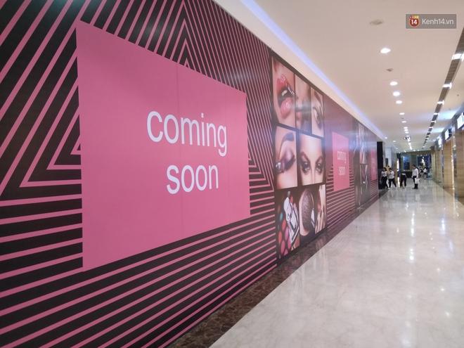 Vincom Bà Triệu quây bạt diện tích lớn, dân tình phán đoán đây chắc chắn là store mới của Zara! - Ảnh 6.