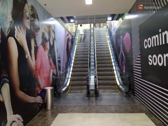 Vincom Bà Triệu quây bạt diện tích lớn, dân tình phán đoán đây chắc chắn là store mới của Zara! - Ảnh 1.