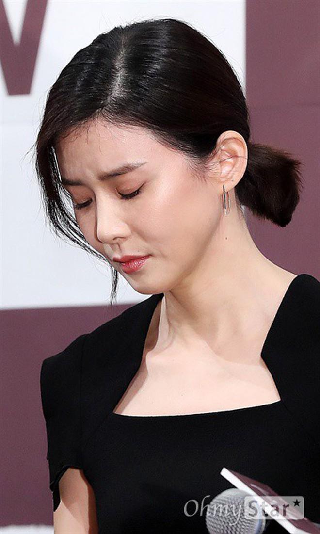 Mother - Tác phẩm về nạn ngược đãi trẻ em khiến Lee Bo Young rơi nước mắt - Ảnh 5.