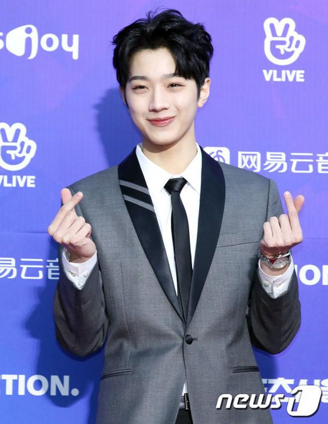 Thảm đỏ Seoul Music Awards: Kim So Hyun đẹp đến mức khó tin, Joy quá sexy bên dàn trai xinh gái đẹp quyền lực Kbiz - Ảnh 21.
