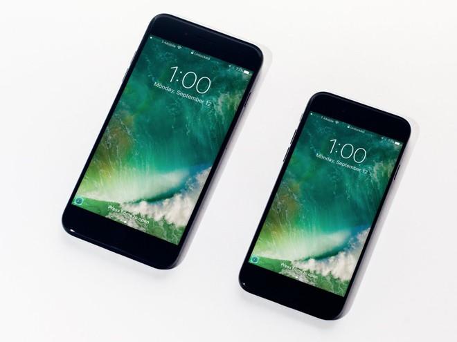 Đây là 10 chiếc smartphone tốt nhất hiện nay theo đánh giá của chuyên gia quốc tế - Ảnh 1.
