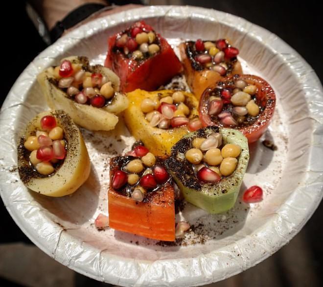 Món ăn độc đáo Kulle Chaat ở Delhi (Ấn Độ) khiến ai cũng tròn xoe mắt vì ngạc nhiên - Ảnh 3.